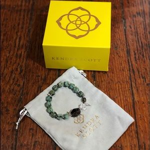 New Kendra Scott green beaded bracelet, bag/box